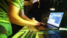Does Virtual DJ Work With Hardware? Yes!