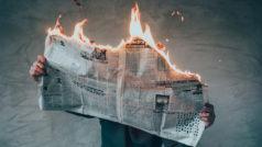 """10 Tricks for spotting """"fake news"""""""
