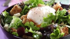 This delicious 10-minute low-cal salad will fill you up!