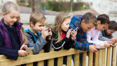 France bans children under 15 from using phones in school