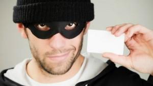Hackers usam SMS para roubar caixas eletrônicos