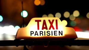 Lancement de l'application « Paris Taxis », la réponse à Uber de la ville de Paris