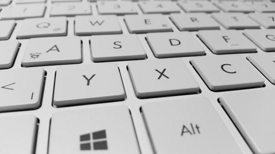 Guide windows 10 les 45 raccourcis clavier retenir for Raccourci clavier changer de fenetre