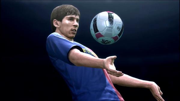 Messi controlando el balón en PES 2010