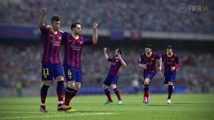 ¿Crees saberlo todo de FIFA 14? Intenta hacer gol con el… ¡balón gigante!