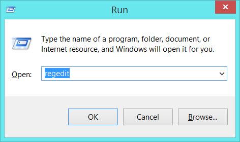 Digite regedit para acessar o menu de registro do Windows