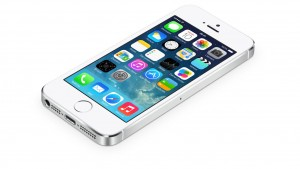 Así luce iOS 8 en lo que parece un iPhone 6 (con Healthbook, CarPlay y iTunes Radio)