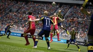 FIFA 15 confirma nueva licencia: ¿PES 2015 se queda sin ella?