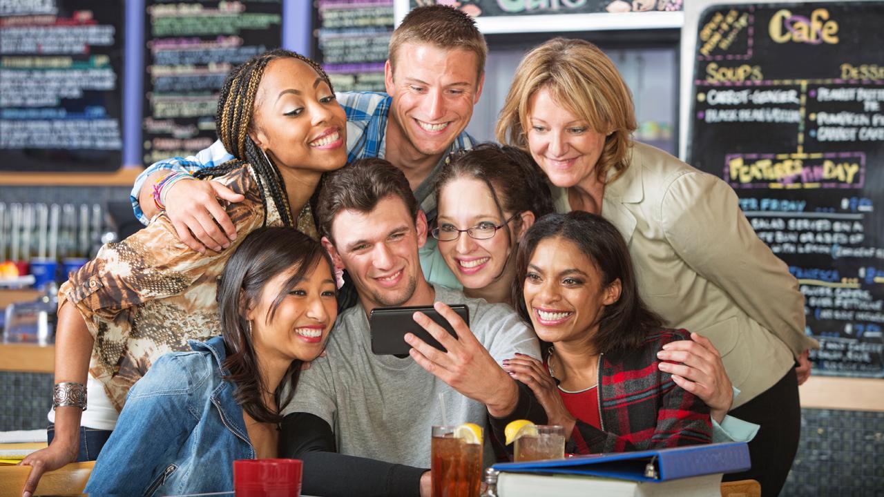 9 momentos de felicidad únicos que no existirían si no tuvieses móvil