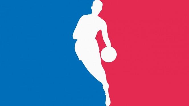 Un bug de NBA 2K16 convierte a los jugadores de básquet en gigantes