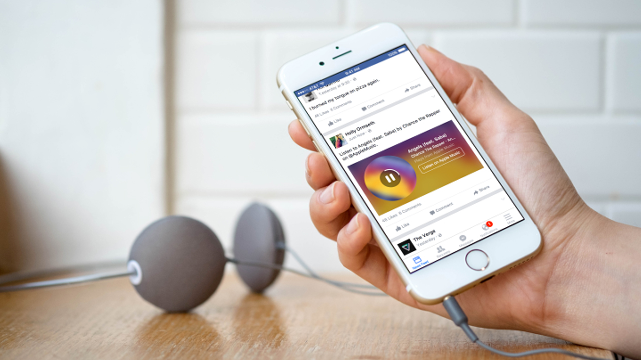 No tendrás que salir de Facebook para escuchar música de Spotify o Apple Music