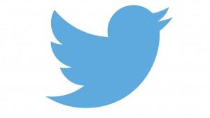 ¿Quieres salir con el famoso o famosa de tus sueños? Escríbele en Twitter durante 5 años