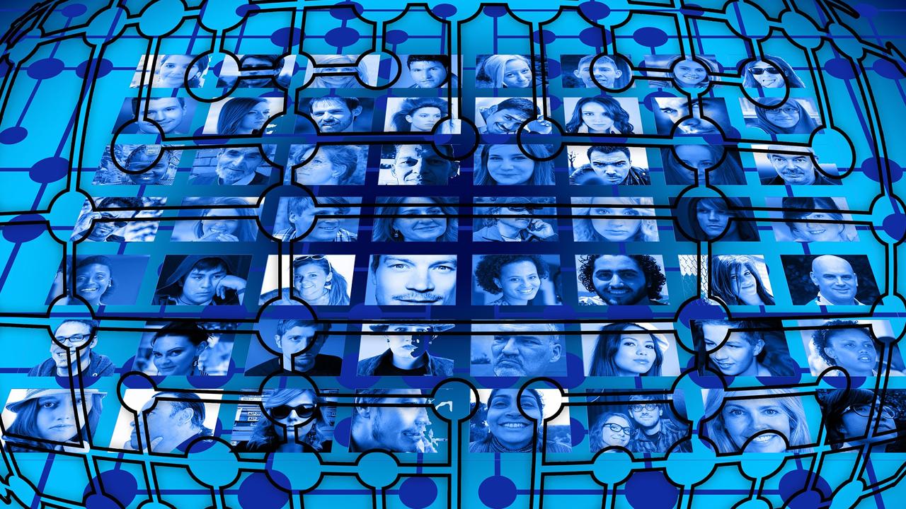 Un estudio demuestra lo que ya sabíamos: la mayoría de nuestros amigos de Facebook no lo son de verdad