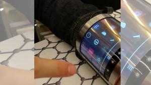 Mira esta pantalla totalmente curva que puedes enrollar en tu muñeca