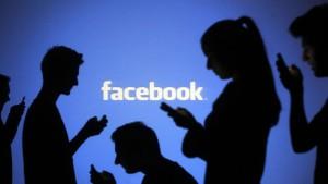 Pasas 3 horas al día en Facebook y WhatsApp: este no es el dato más curioso