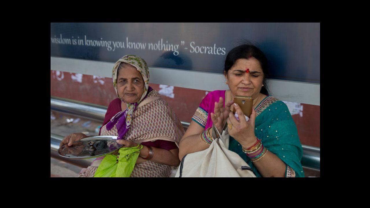 Todos los móviles de la India tendrán un Botón del Pánico: ¿qué es y para qué sirve?