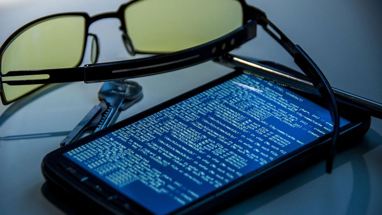 Los hackers pueden robarte la contraseña y el PIN del móvil cada vez que hagas esto