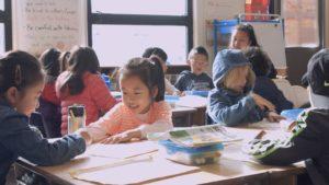 Con esta app, los padres sabrán qué hacen los niños en clase en todo momento