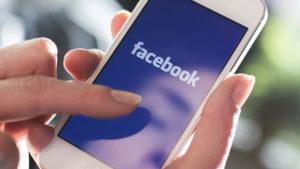 Facebook para móviles cambia de cara: di adiós a las barras azules, entre otras cosas