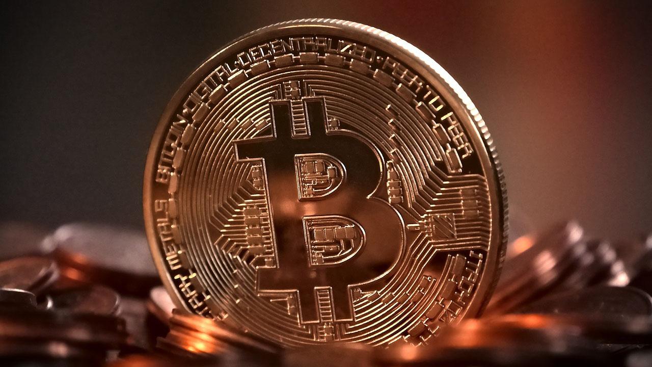 Bitcoin sigue al alza y alcanza los 5.000 dólares