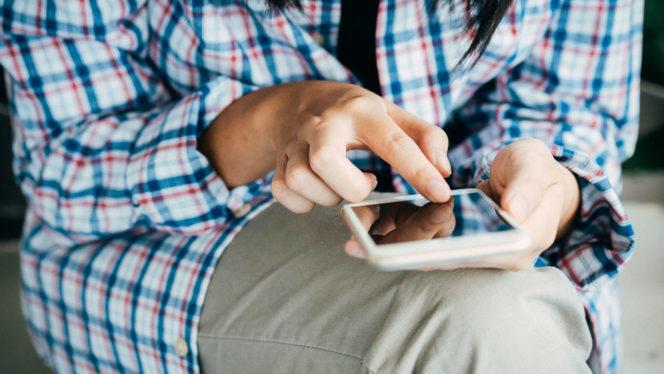 Smartphones: ¿cuáles son los riesgos de su uso?