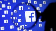 La nueva encuesta de Facebook desata polémica y desconfianza ante el futuro del Muro