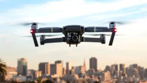 Mira, mamá: ¡sin manos! Utiliza tu cara para hacer volar un dron