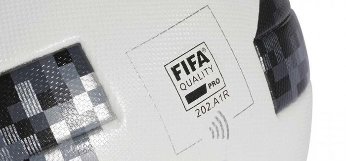 Adidas Telstar 18 con chip NFC