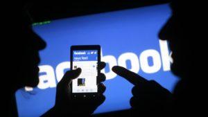 Facebook pone excusas baratas en su semana más negra