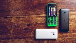 "4 razones para volver a usar un ""dumbphone"""
