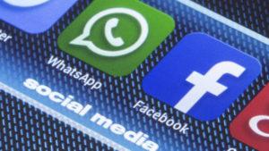Facebook podría leer tus mensajes de WhatsApp a partir del 2019