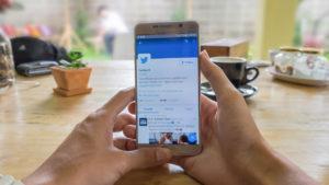Twitter permite volver al timeline cronológico para los usuarios de Android