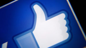 Un error de Facebook permitió a cualquier web acceder a información privada de tu perfil de usuario