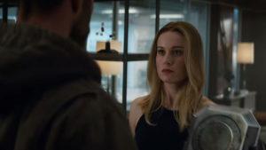 Los Vengadores Endgame: Thor y Capitana Marvel luchan en su propia Civil War en este fanart