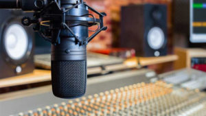 Dónde escuchar los mejores podcasts en español