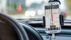 ¿De verdad vemos útiles los asistentes virtuales en los coches?