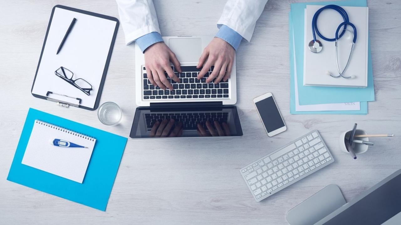 Medicina, telecomunicaciones, seguros, gestoría e industria, los sectores que más se benefician de la asistencia remota