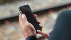 Qué hacer si tu iPhone no se enciende o tiene la pantalla negra