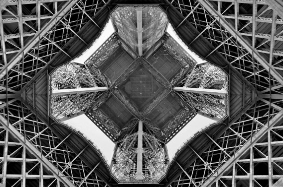Eiffel Tower up-skirt