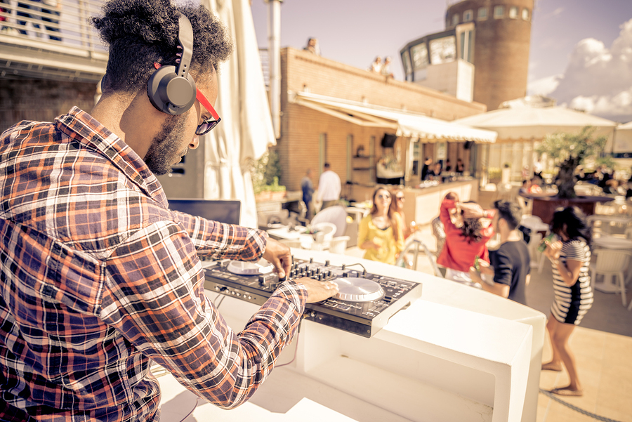 Top DJ Tips From the Pros