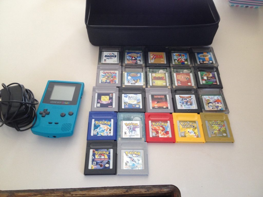 Check out these Unbelievable Tech Related Yard Sale Finds! Gameboy mini