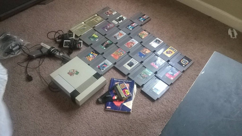 Check out these Unbelievable Tech Related Yard Sale Finds! NES Jackpot