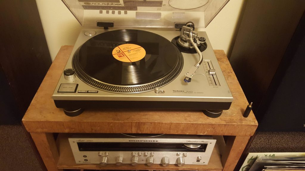 Check out these Unbelievable Tech Related Yard Sale Finds! Technics 1200