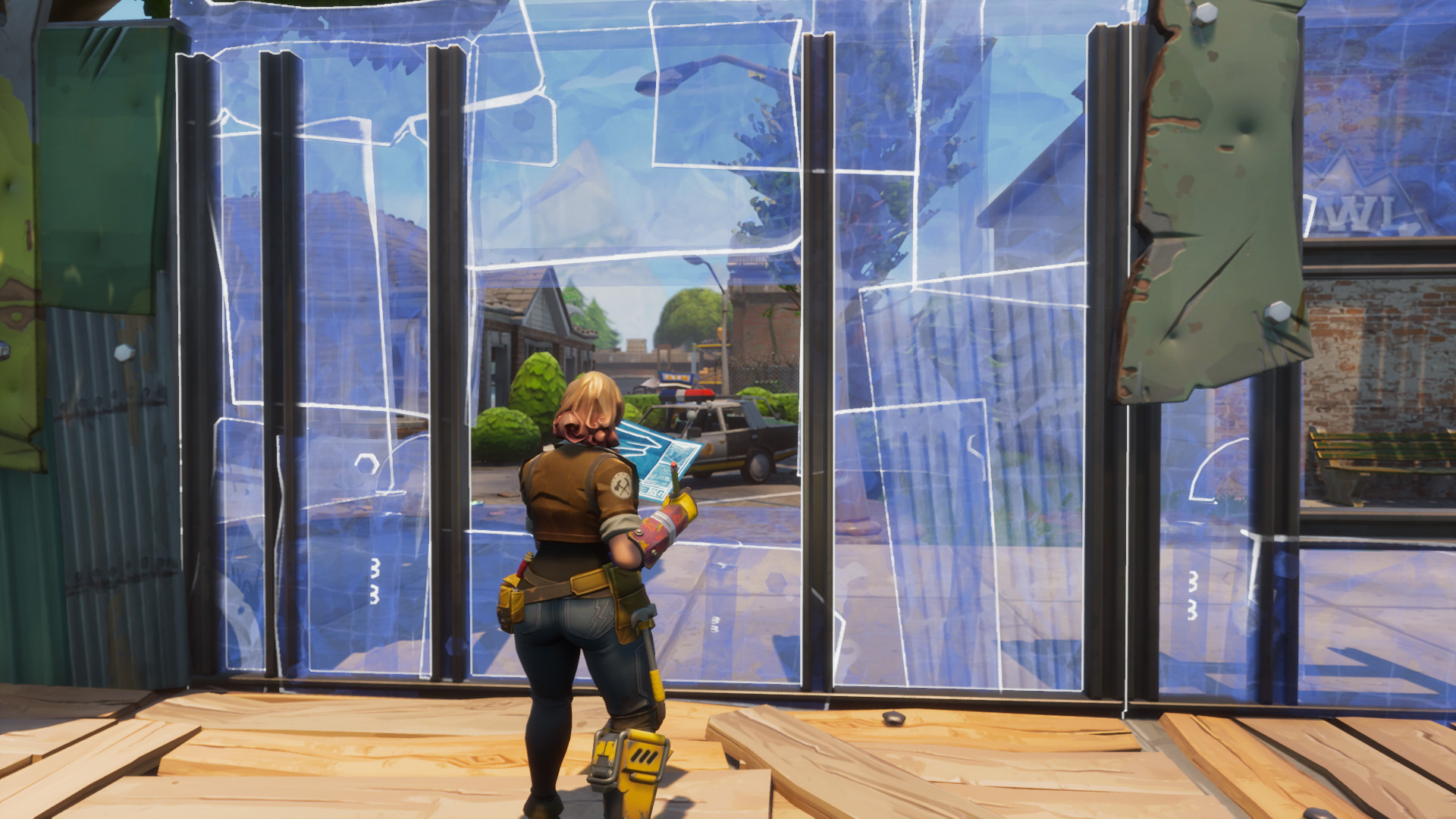 so why is fast building so important when you run into another player and the bullets start flying your first instinct might be to start shooting back - fortnite how to build fast on pc