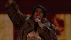 Aretha Franklin dies at 76