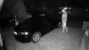 Watch thieves steal a Tesla by hacking it