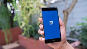 6 LinkedIn mistakes screwing up your job search