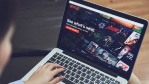 Netflix tests 'random play' feature