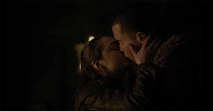 Arya kisses Gendry