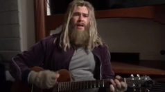 Watch fat Thor sing 'Hurt'